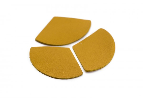 Eventails de cuir Couleur Jaune Moutarde - Dim. 33 x 23 mm - Lot de 6