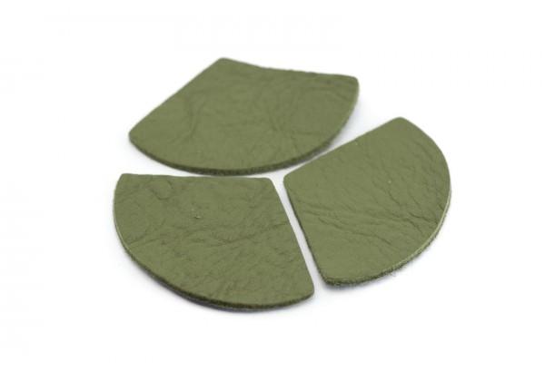 Eventails de cuir Couleur Vert Kaki - Dim. 33 x 23 mm - Lot de 6