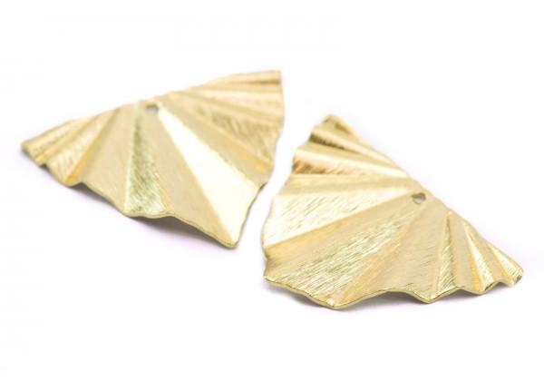 4 Breloques forme Triangle plissé en Laiton Brut - Dim. : 29 x 22 mm - Couleur Doré