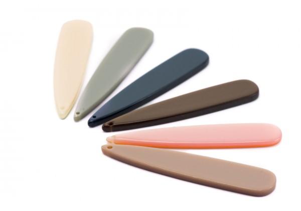 12 Breloques en Résine - Dim. : 53 x 10 mm / Ep. : 2,5 mm - Lot Multicolore