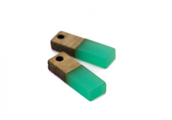 2 Breloques Bois et Résine - Dim. : 17 x 5 mm / Ep. : 3 mm - Bi-colore : Bois et Résine Vert Aqua